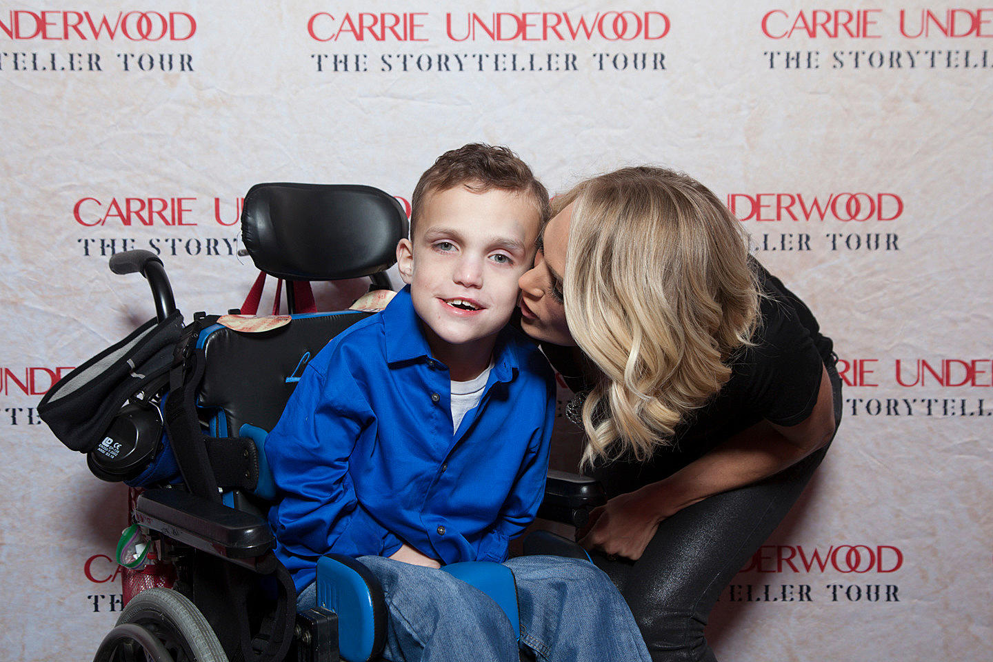 Photos of lance crabtrees meet greet w carrie underwood carrie underwood tour photo kristyandbryce Images