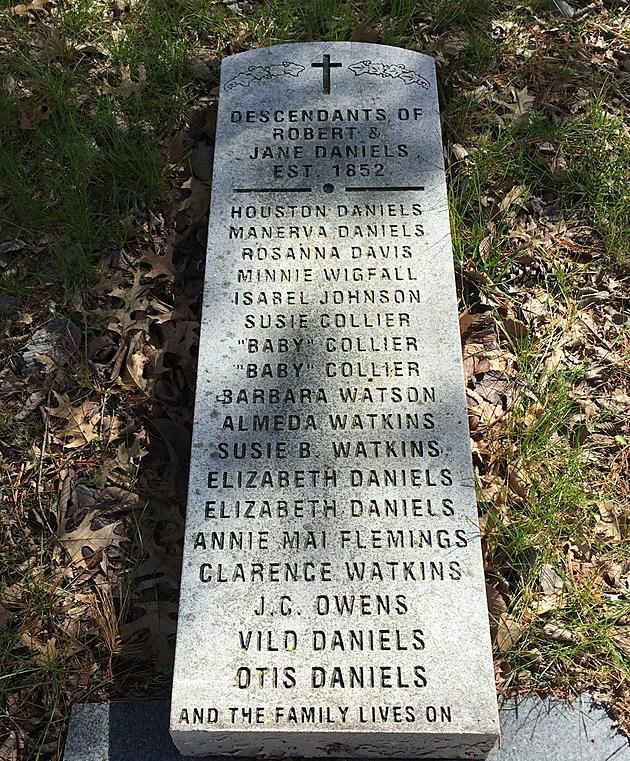 Family headstone at Hilton